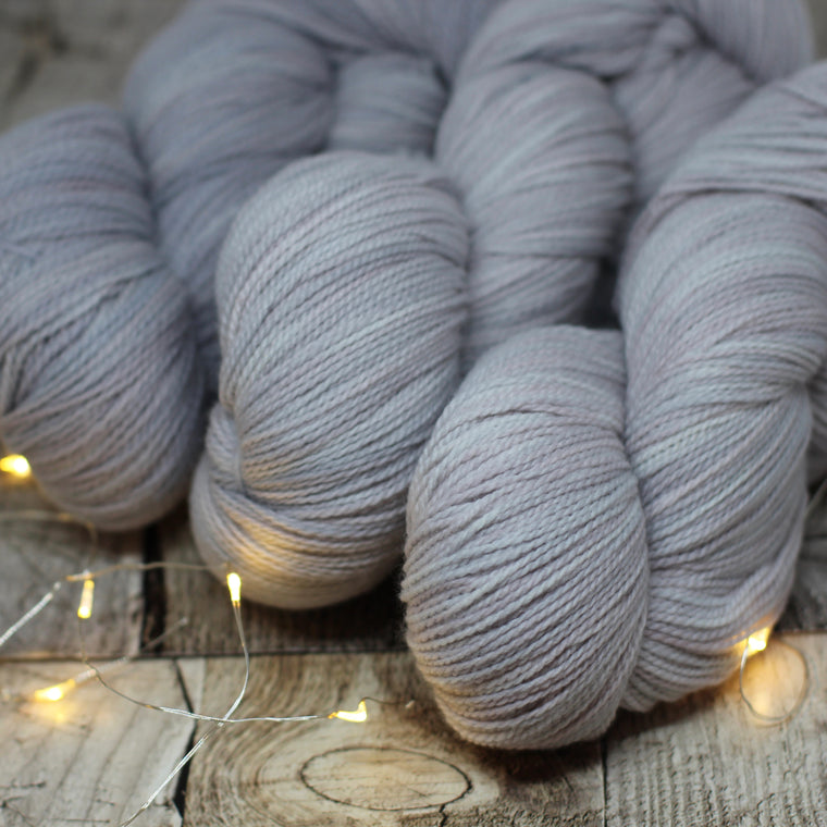 White Gum Wool 4ply - Rell