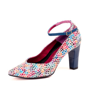 Venecia, Shoes - Available at MosstoUSA. One shoe, infinite possibilities.