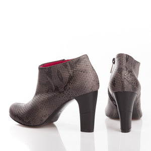 Zurich, Shoes - Available at MosstoUSA. One shoe, infinite possibilities.