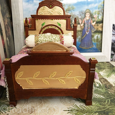 Vrinda Kund Palace Bed
