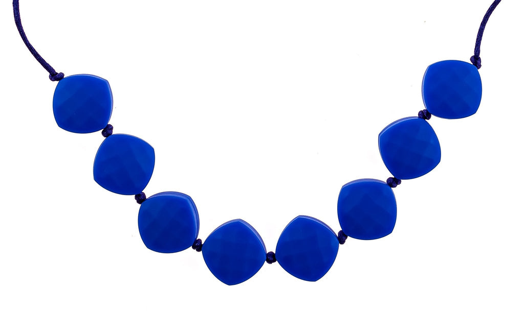chew teether necklace in navy blue
