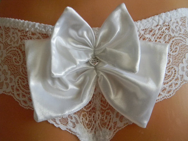 Handmade Bow,big bows,lace bow,Pre-Tied Satin Bows in white color Embellishments,Satin Bows,Craft Supplies,Craft Bows
