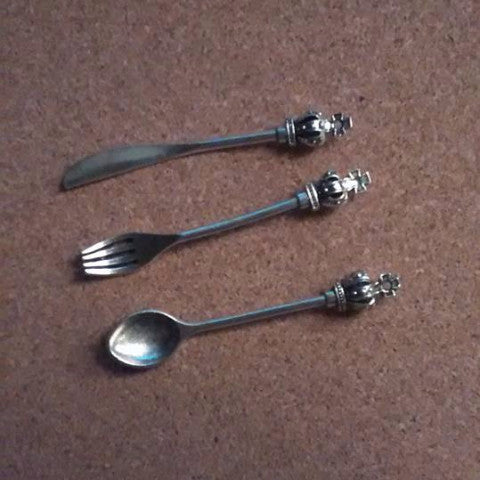 Bronze/Silver 3 Piece Crown Topped Cutlery Set