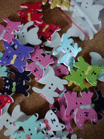 ((((A NEW ITEM)))) Pack of 4 Wooden Cat With Bow Tie Button