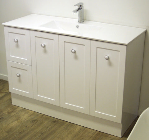 1200 HAMPTON Vanity, Kickboard, Ceramic Top