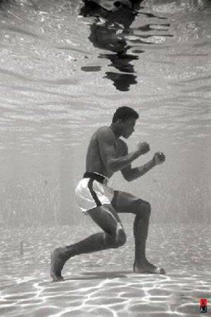 Muhammad Ali - Under Water (24x36) - SPT00090
