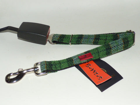 Harris Tweed Dog Seat Belt - Grass Green - BOWZOS