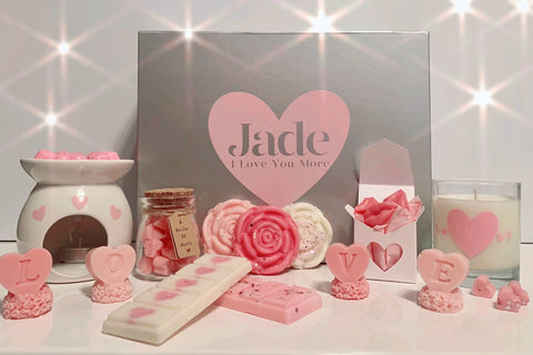 Bowzos Luxury Personalised Valentines Gift Box (Free UK Delivery)