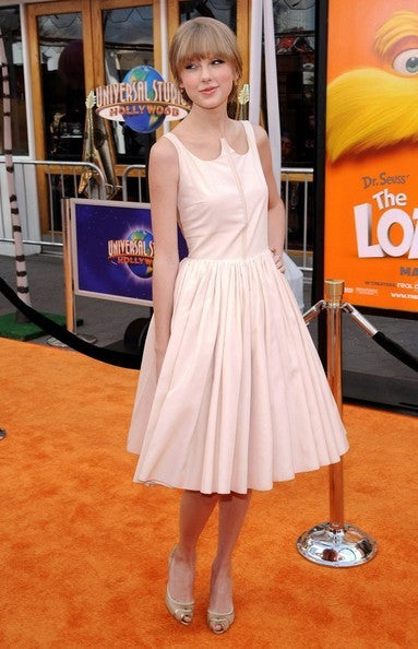 Pink Taylor Swift Knee Length Sleeveless Prom Celebrity Dress Dr. Seuss The Lorax Premiere