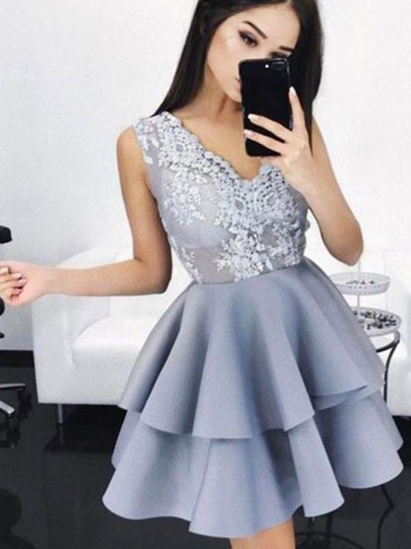 Grey V-neck Lace Applique Straps Short Homecoming Dresses