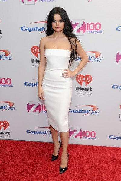 White Selena Gomez Off The Shoulder Dress Knee Length Short Prom Celebrity Dress Jingle Ball