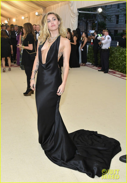 Black Miley Cyrus Halter Sexy Mermaid Low Neck Dress Satin Prom Celebrity Formal Dress Met Gala Online