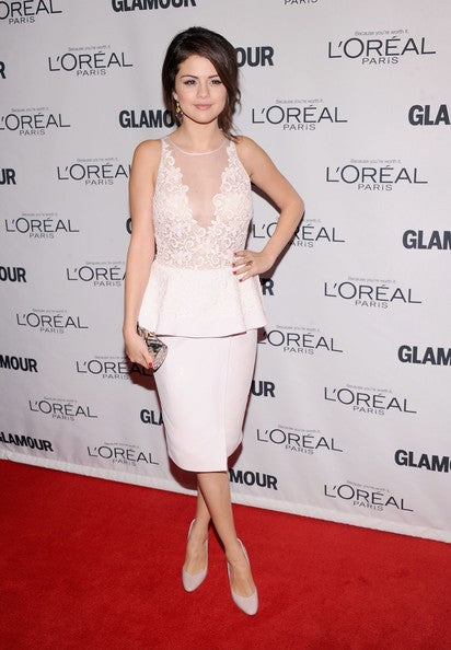 White Selena Gomez Short V Neck Dress Knee Length Prom Red Carpet Evening Dress Glamour Women of the Year Awards