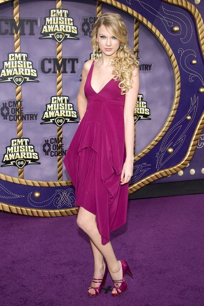 Purple Taylor Swift Knee Length V Neck Dress Pleated Prom Red Carpet Dress CMT Music Awards