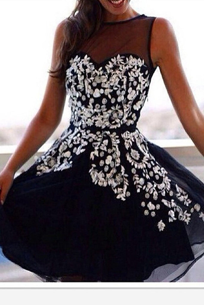 Applique Black Chiffon Sweetheart Strapless Homecoming Dress