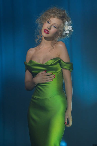 Green Christina Aguilera Sexy Off the shouder Dress Satin Prom Red Carpet Evening Formal Dress in Burlesque