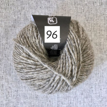 Load image into Gallery viewer, WoolAddicts Air (aran/bulky)