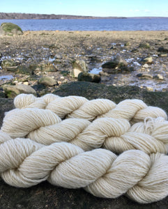 Coopworth Yarn (heavy worsted/aran)