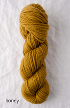 Load image into Gallery viewer, Quince & Co. Osprey (aran)