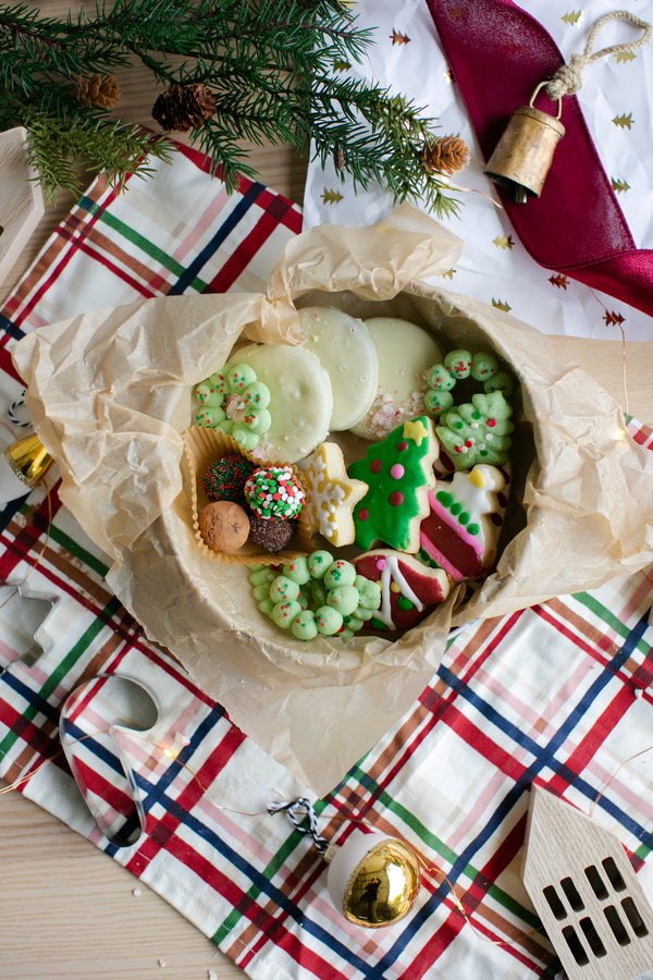 How to Perfect Your Christmas Cookie Tins