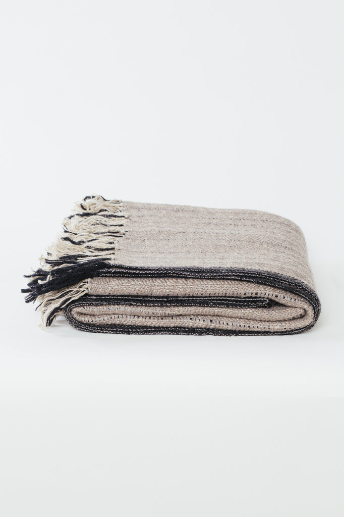 Goldfinch Linen Mélange Throw: Black