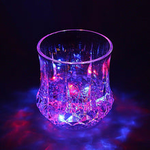 Load image into Gallery viewer, LED INDUCTIVE RAINBOW COLOUR CUP INCLUDES BATTERIES    4324 (Parcel Rate)