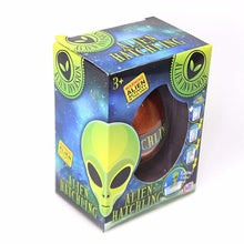 Load image into Gallery viewer, Hatchling Alien Invasion Toy Age 3+ 6351 (Parcel Rate)
