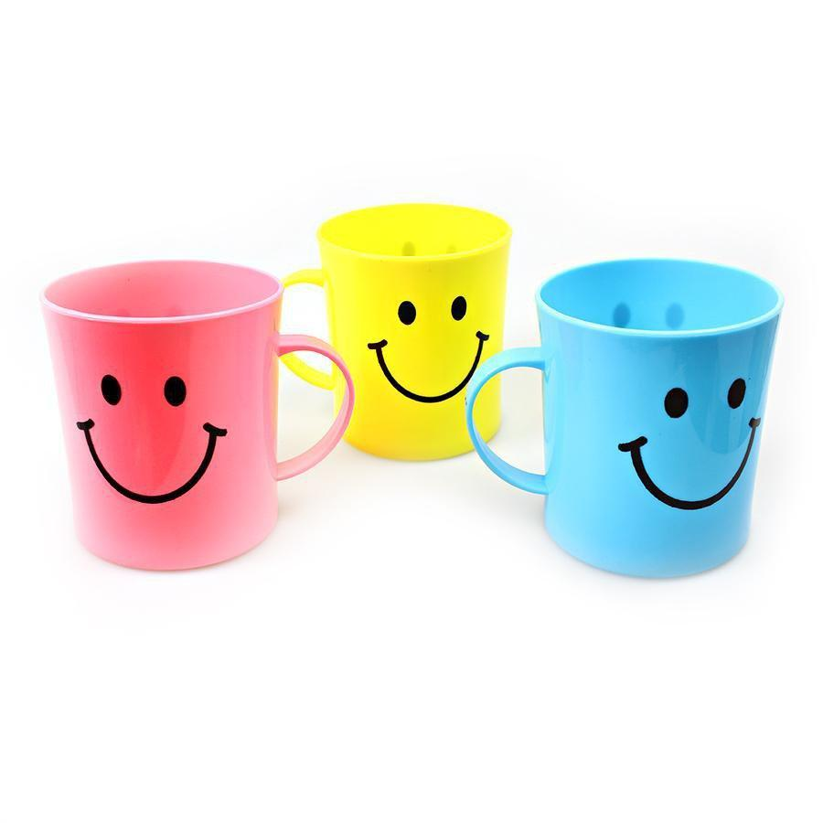 4 Pack Childrens Emoji Assorted Colour Smiley Face Plastic Cups 8cm 6994 (Parcel Rate)