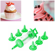 Load image into Gallery viewer, Plastic Icing Tube With 6 Nozzles Attached In Green 9266 (Parcel Rate)