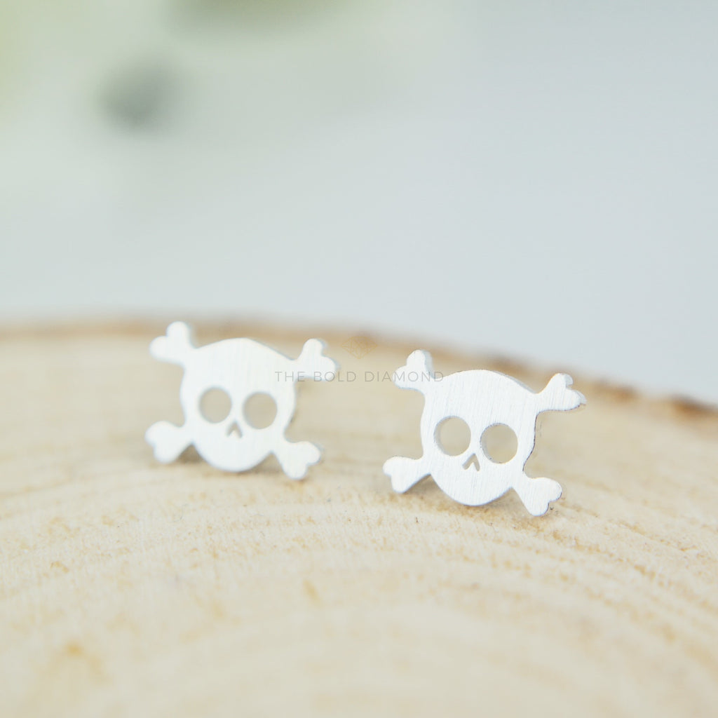 products clothing silver sterling earrings diamond zapps skull stud