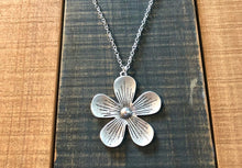 Load image into Gallery viewer, Large Flower Pendant