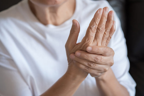 Who can benefit from Arthritis gloves