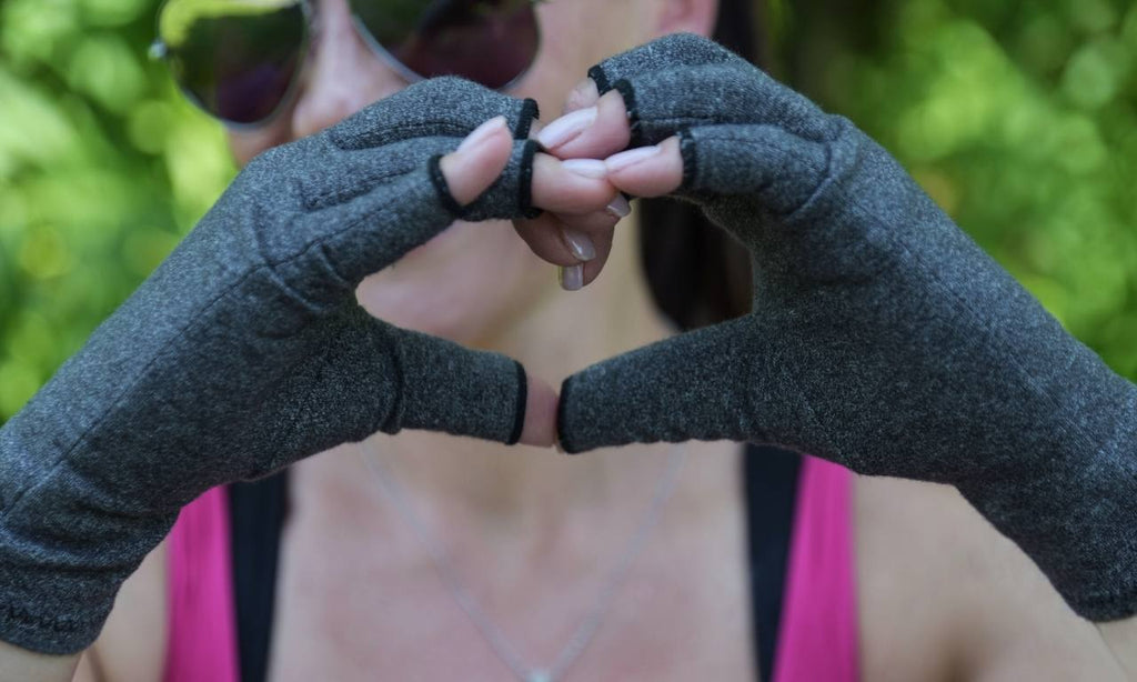 Skineez hydrating gloves for the ultimate hand care