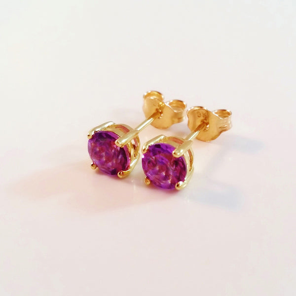 9K SOLID GOLD 0.91CT NATURAL PURPLE AMETHYST STUD EARRINGS.