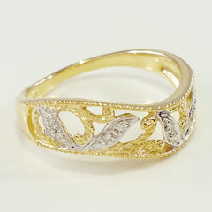 9K SOLID GOLD FILIGREE VINTAGE STYLE RING WITH 8 DIAMONDS.
