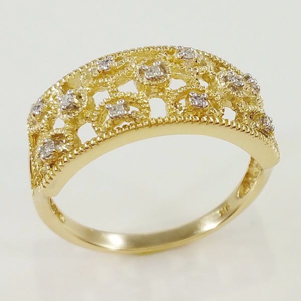 9K SOLID GOLD ART DECO INSPIRED ANTIQUE STYLE RING WITH 11 DIAMONDS.