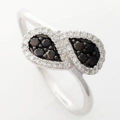 9K SOLID WHITE GOLD NATURAL 8 BLACK DIAMOND & 38 WHITE DIAMOND RING.