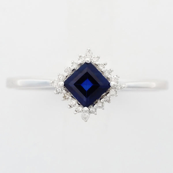9K SOLID WHITE GOLD 0.50CT NATURAL AUSTRALIAN BLUE SAPPHIRE RING WITH 20 DIAMONDS.