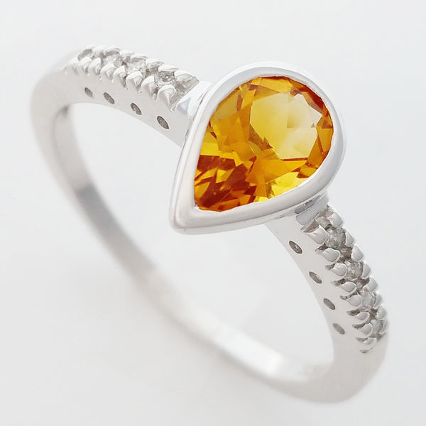 9K SOLID WHITE GOLD 0.70CT NATURAL PEAR CUT CITRINE RING WITH 8 DIAMONDS.