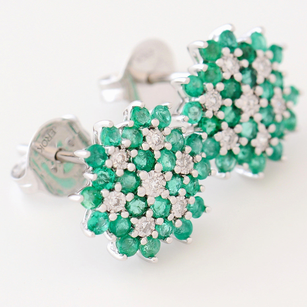 9K SOLID WHITE GOLD 1.00CT NATURAL EMERALD CLUSTER EARRINGS WITH 14 DIAMONDS.
