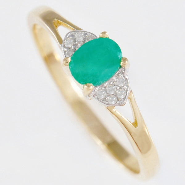 9K SOLID GOLD HANDMADE VINTAGE INSPIRED 0.50CT NATURAL EMERALD RING WITH 10 DIAMONDS.