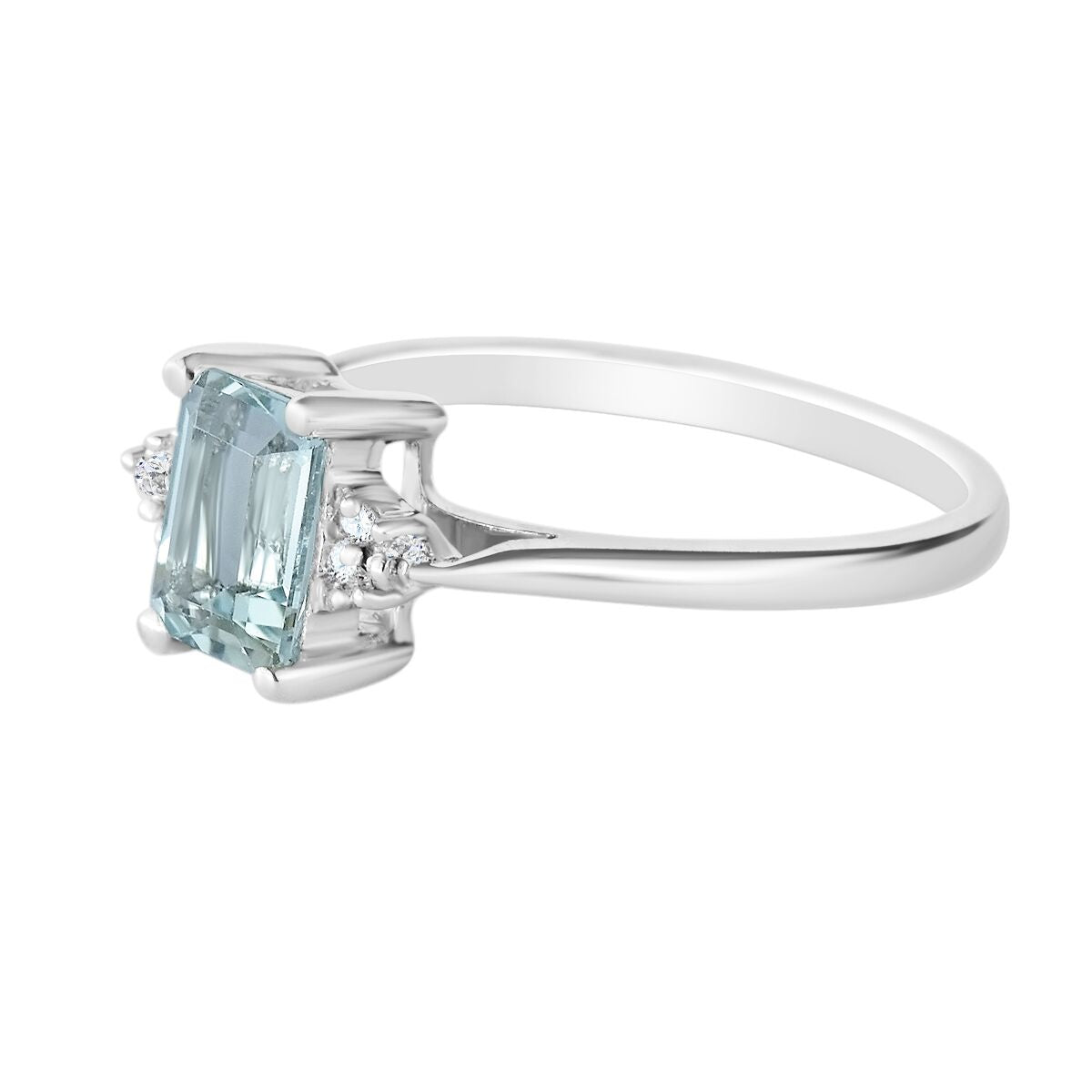 9K SOLID WHITE GOLD 0.90CT NATURAL EMERALD CUT AQUAMARINE + 6 DIAMOND RING.