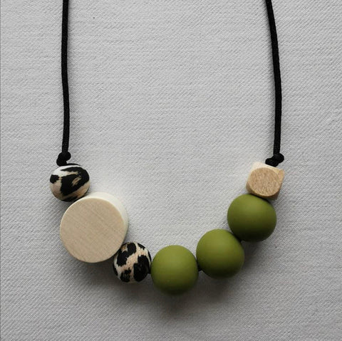 Besitos Necklace - Chobe