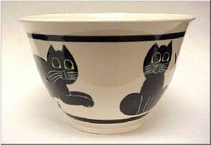 Pottery: Black Cat Serving Bowl