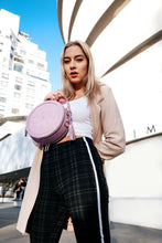 Rotunda Lilac Vegan Bag - Gunas New York Model 2