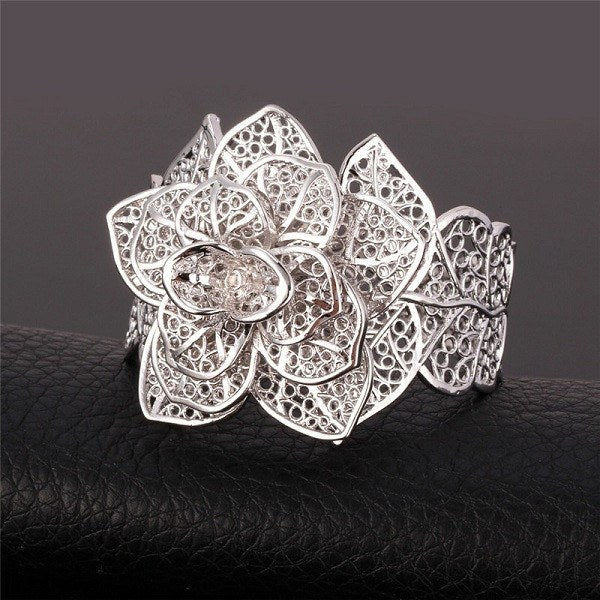 Exquisite Flower Bracelet And Ring Set