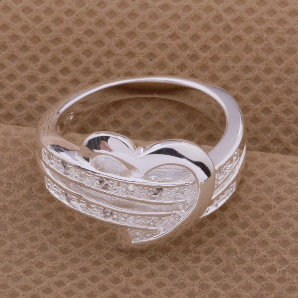 Exquisite Rhinestone Heart Ring