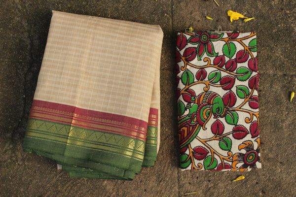 Off White Maharashtra cotton checked saree with contrast blouse fabric. TCB-MH5-P18