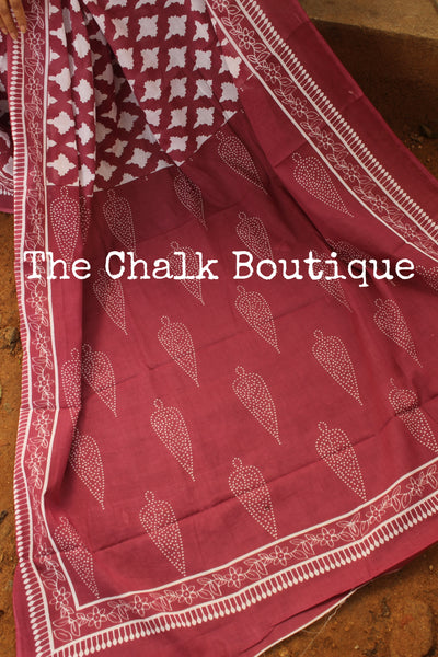 | Fruit Punch | Pink Jaal Handblock printed dabu cotton saree. TCB-IN20-RB1-The Chalk Boutique