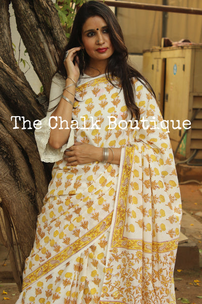 | Easy Breezy | - Off White Floral Handblock printed dabu cotton saree. TCB-IN21-RB1-The Chalk Boutique